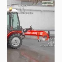 Трактор AGT 835 со щеткой