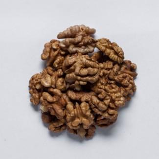 Очищенный грецкий орех закупаем по всей Украине: четверть - Светлую