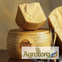 Итальянский сыр Grana Padano