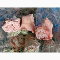 Обрезные свиные ноги. Фисташка свиная
