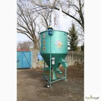 Вертикальные смесители кормов «ГНОМ 1000 кг»